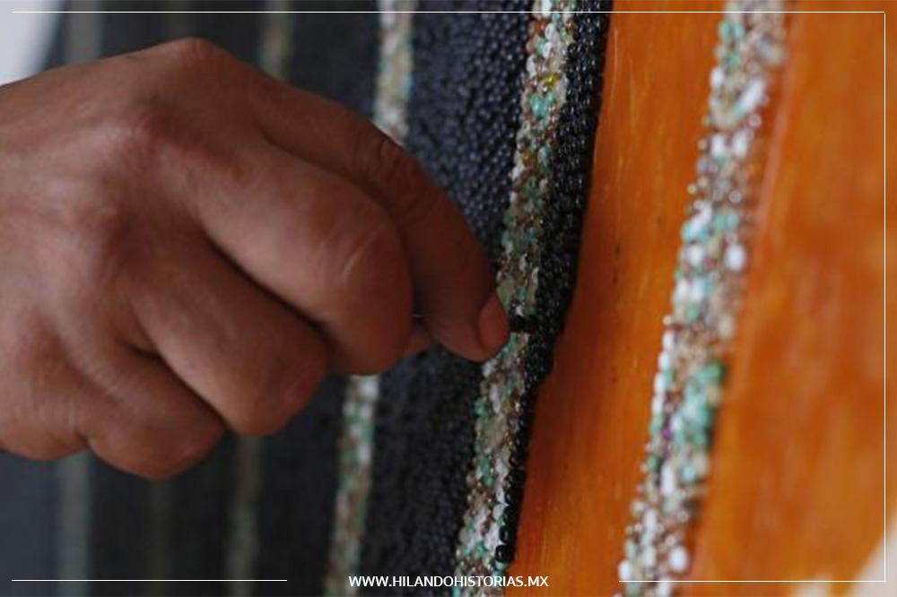 ARTESANOS WIXÁRIKAS ROMPEN RÉCORD GUINNESS con un mosaico de 81.55 m2 tapizado de chaquira