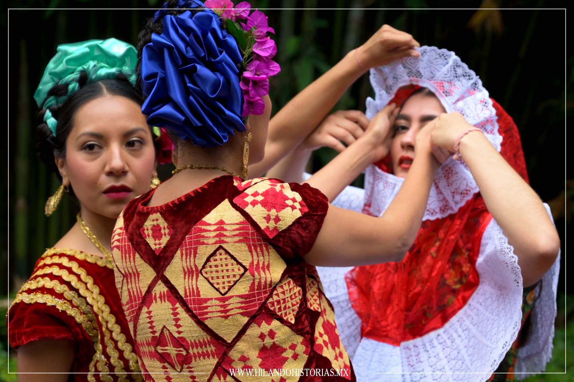 HILOS QUE DANZAN. Trajes del Istmo de Tehuantepec